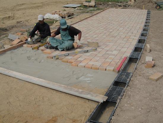 Укладка бетонной плитки на сухую смесь керамзитобетон блоки купить в белгороде